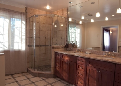 Design Ponte Vedra master bathroom corner shower enclosure pendant lights