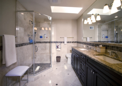 Smart Homes USA Design Ponte Vedra master BATHROOM granite mirror corner shower